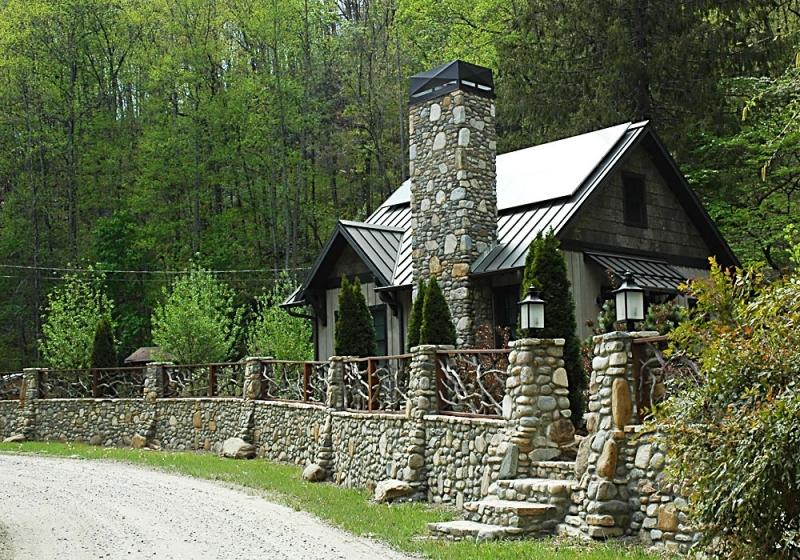 Arts & Crafts cottage